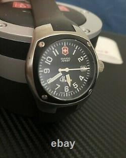 Swiss Army Air Force Mens Hunter Watch Mach 1 Stainless Steel 24479 Rare $1,175