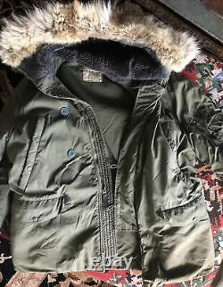 Vintage Air Force Parka With Wolf Fur Trim Hood Mens Large Good Condition