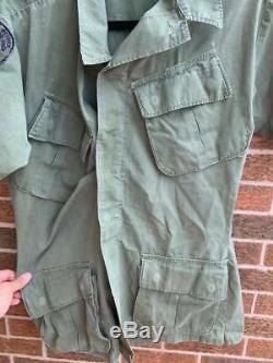 Chemise Brodée Personnalisée Du Vintage K-9 Corps De L'armée Avec Des Correctifs Base Aérienne De Clark