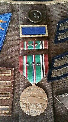 Militaria Us Ww2 Lot De La Faa De La 8ème Armée De L'air De La Us Air Force Avec Insignes De Bullion Fabriqués En Théâtre