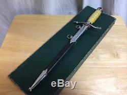 Officier De L'armée De L'air De L'est / Officier De L'armée De L'air Nva Parade Dagger In Box, Certificat