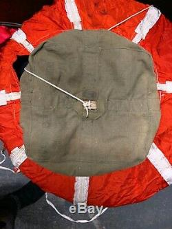 U. S. Gov Armée Force Aérienne Spec. No. 40470 1943 Type De Parachute B-8. Ww2 Vintage