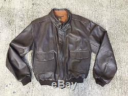 Usaf A-2 Leather Flight Jacket Mfg Steve Mccolgan Taille 46 Forces Aériennes De L'armée