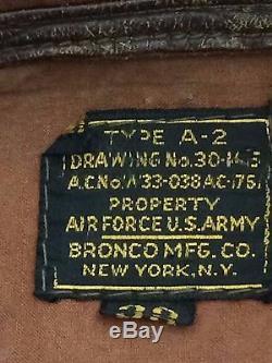 Veste De Bombardière De Vol En Cuir A-2 De La Force Aérienne De La Seconde Guerre Mondiale U. S.