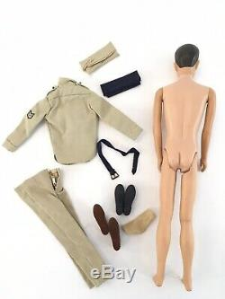 Vintage Ken Doll Avec Army Air Force Look 1965 Pliable Pattes Rouges Joues Htf Barbie
